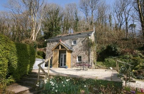 Last Minute Cottages - Beautiful South Cornwall Rental S26479