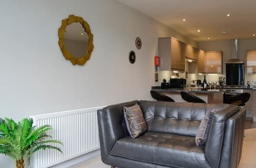 Last Minute Cottages - Luxury Bowness On Windermere Apartment S98812