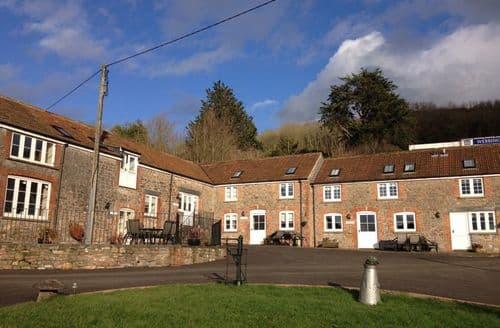 Last Minute Cottages - Webbington Farm Holiday Cottages   Golightly S98918