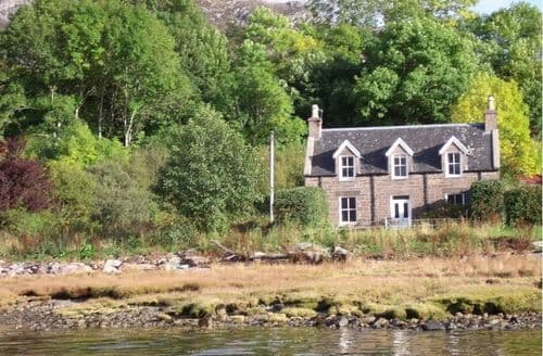 Last Minute Cottages - Gracie's Cottage And Ardoch Bothy S98933