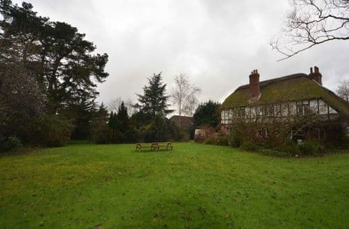 Last Minute Cottages - New Forest Manor House S98960