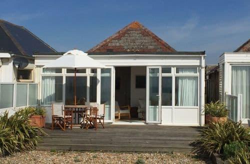 Last Minute Cottages - Pevensey Beach Retreat S98974