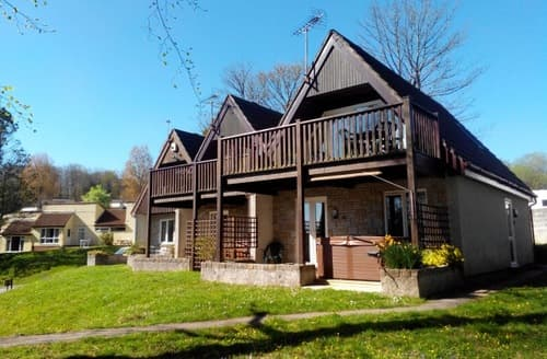 Last Minute Cottages - Valley View And Treetops S99021