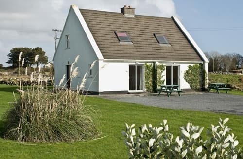 Last Minute Cottages - Adorable Spiddal Cottage S23972