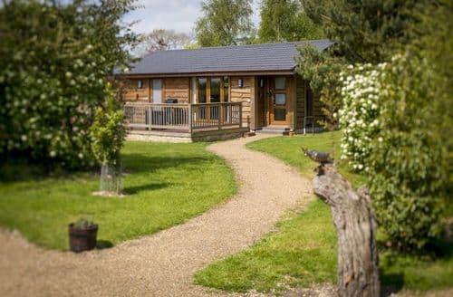 Last Minute Cottages - Wolds Edge Holiday Lodges   Rabbit Dale Lodge S99124