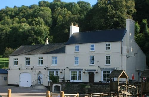 Last Minute Cottages - River Wye Lodge S99164