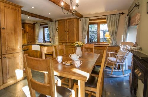 Last Minute Cottages - The Hayloft, Yew Tree Farm S99167