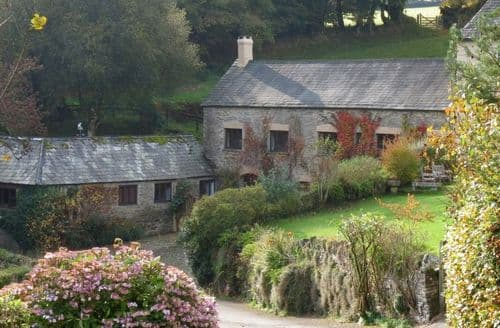 Last Minute Cottages - The Ballroom And The Shippon At Cutthorne S99270
