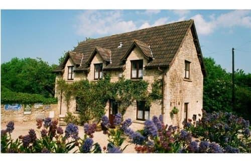Last Minute Cottages - Fosse Farmhouse Cottages   The Dovecote S99295