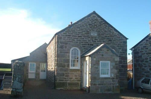 Last Minute Cottages - 3 bed school