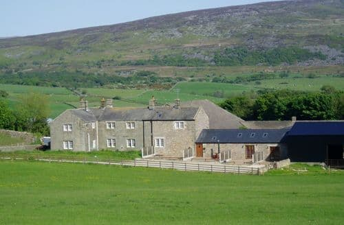 Last Minute Cottages - Knotts Farm Holiday Cottages   Clougha View S99375