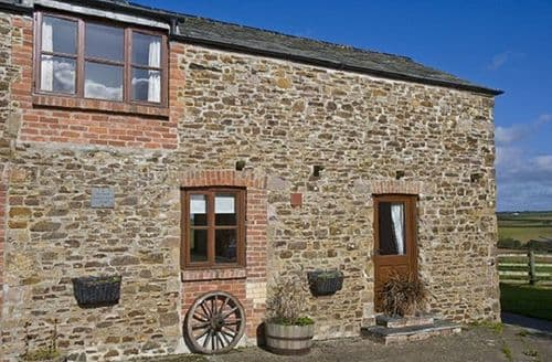 Last Minute Cottages - Budds Barns   Carthouse S99402