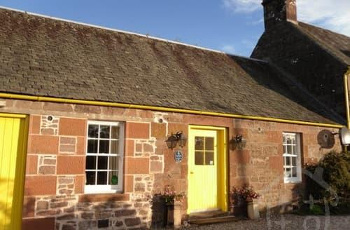 Last Minute Cottages - Ballat Smithy Cottage S99529