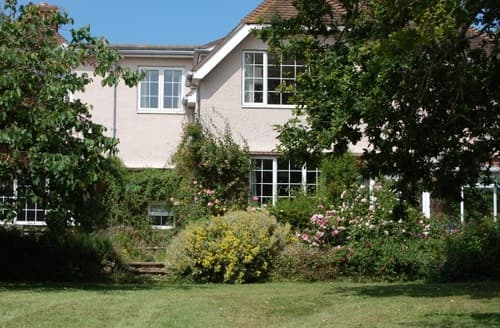 Last Minute Cottages - Kings Manor Farm   King's Lodge S99542