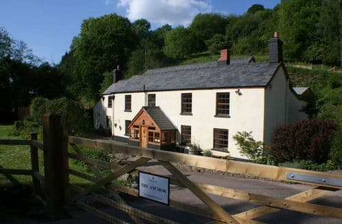 Last Minute Cottages - The Anchor At Lydbrook S99572