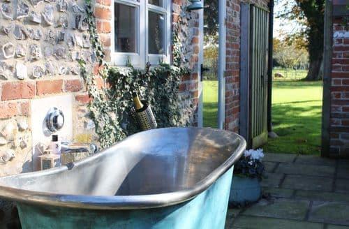 Last Minute Cottages - The Bothy & Flint, Launceston Farm S99609