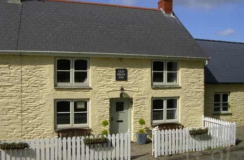 Last Minute Cottages - The Old Swan Inn S99635