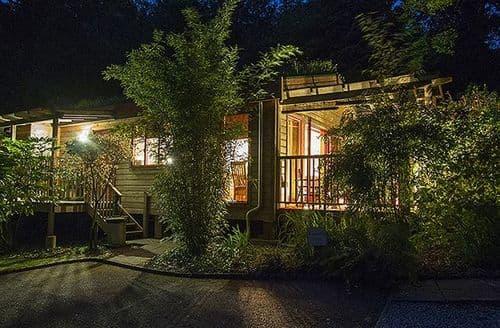 Last Minute Cottages - Rosehill Lodges   St Piran's Lodge S99680