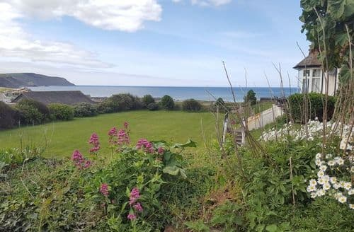 Last Minute Cottages - Quinceborough Farm Cottages   Longstone S99689