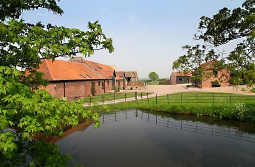 Last Minute Cottages - Wheatacre Hall Barns   Mallard S99700