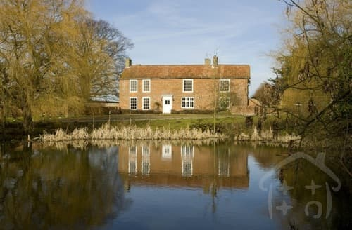 Last Minute Cottages - Elms Farmhouse S99739