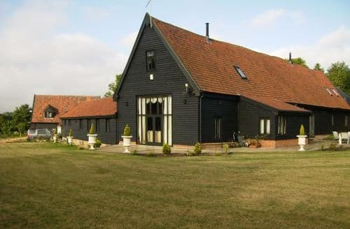 Last Minute Cottages - Doves Barn S99780