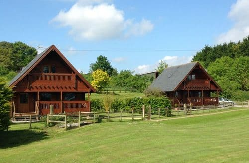 Last Minute Cottages - Whistley Farm Lodges   Riverside Lodge S99787