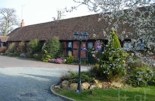 Last Minute Cottages - Coughton Lodge