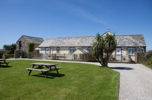 Last Minute Cottages - Trerice Holiday Barns - The Hayloft S99807