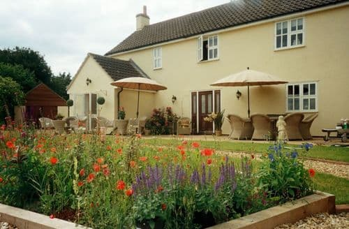 Last Minute Cottages - Hill View S99862