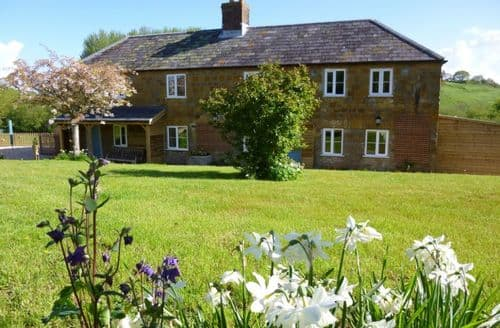 Last Minute Cottages - Crepe Farm Cottage S99868