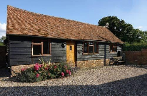 Last Minute Cottages - The Harvest Barn