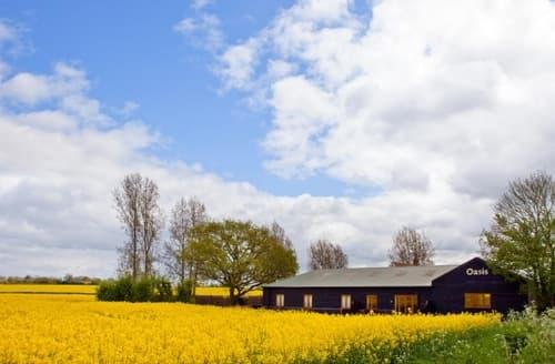 Last Minute Cottages - Moorhen