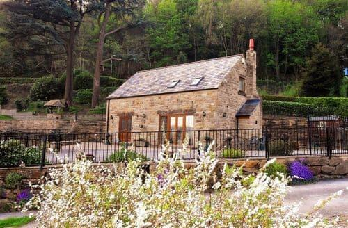 Last Minute Cottages - Two Owls Lodge S99945