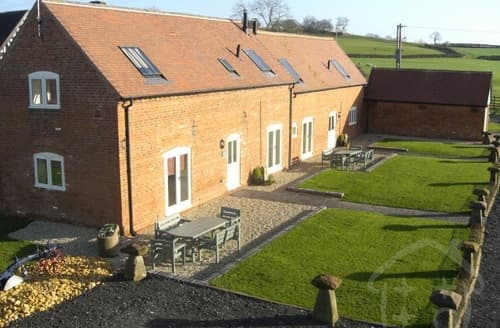 Last Minute Cottages - Lower Berrow Farm Cottages   Skylarks S99969