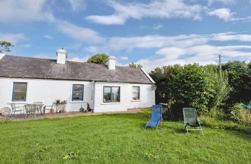 Last Minute Cottages - Lovely Newport Cottage S24106