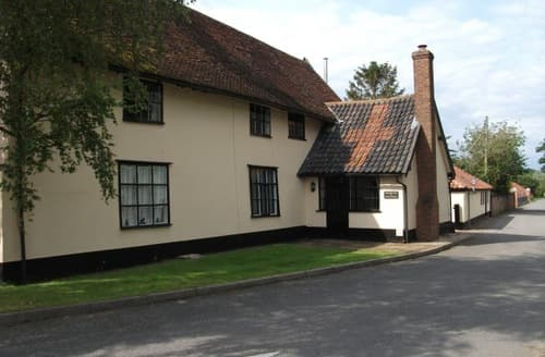Last Minute Cottages - Withersdale Cross Holiday Cottages   The Kiln S100113