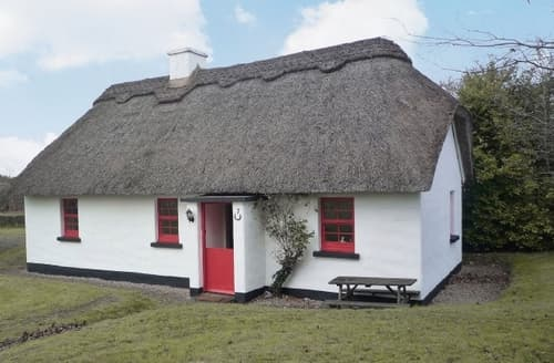 Last Minute Cottages - Lovely Nenagh Cottage S24117