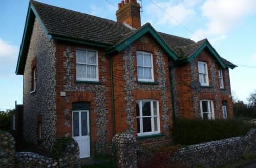 Last Minute Cottages - Titchwell Cottages - Keepers Cottage S100155