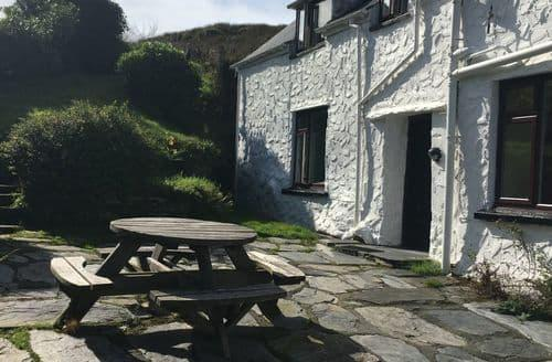 Last Minute Cottages - Betws Cottages - Orsedd Wen Farmhouse S100166
