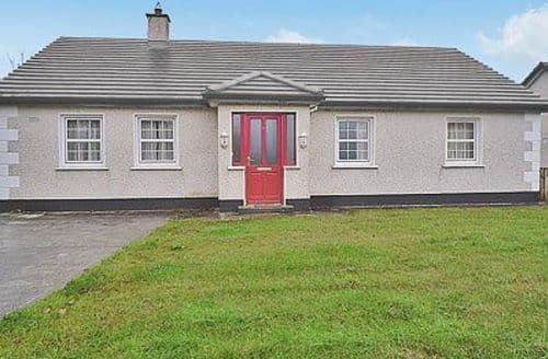 Last Minute Cottages - Beautiful Inishcrone Cottage S24123