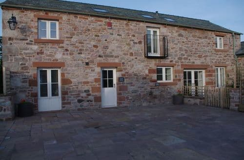 Last Minute Cottages - Salutation Yard - West Barn S100194