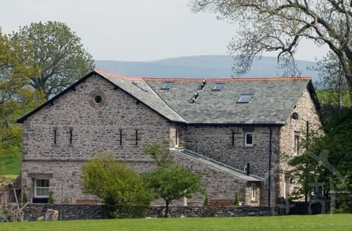Last Minute Cottages - Green Barn Cottages   The Byre S100206