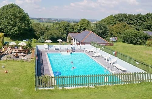 Last Minute Cottages - Sleeps 8-11