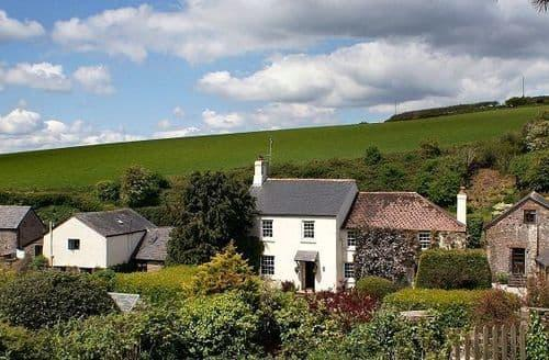 Last Minute Cottages - Dittiscombe Holiday Cottages   The Owlery S100281