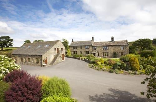 Last Minute Cottages - Smallshaw Farm Cottages & Spa   The Farmhouse S100299