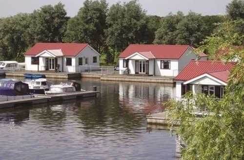 Last Minute Cottages - Herbert Woods - Waterside Holiday Cottages - Sleeps 6-7 S100315