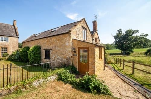 Last Minute Cottages - Fordscroft Cottages & Glamping   Oak Tree Barn  S100321