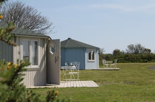 Last Minute Cottages - Coastal Cabins Glamping   Duck Pool S100333