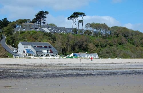 Last Minute Cottages - Maenporth Holiday   Connemara, 75, Upper Barn S100440